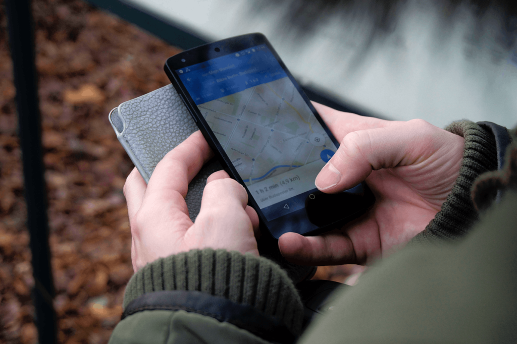 Google Maps Now Offers Extra Detailed Voice Guidance to Visually Impaired
