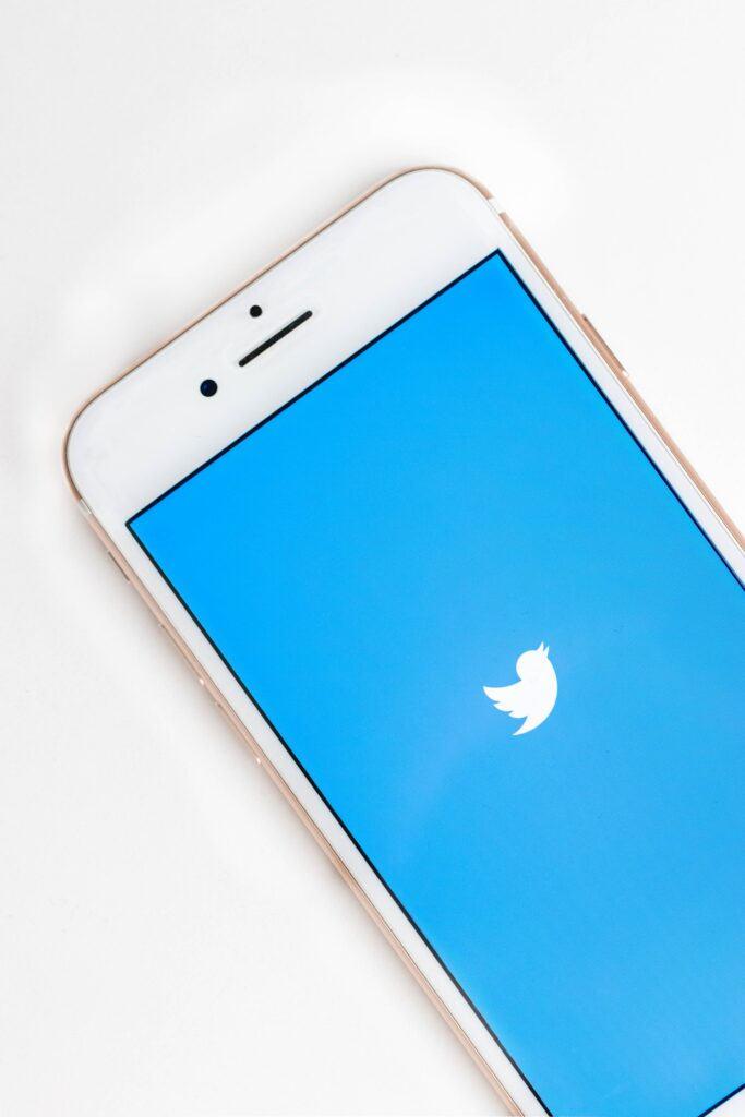 Twitter Warns Users of a Series Security Breach Which can Affect Millions of Accounts